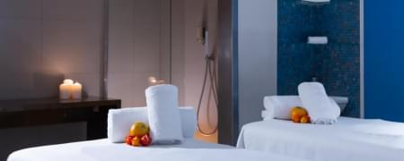 Suite Dreams: Prosecco e fragole in camera + Massaggio inebriante coppia 30 min + Cena per due + pernotto in suite vista mare